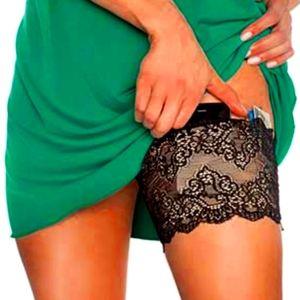 Girly Go Garter Under Wraps. Black. Size small/med